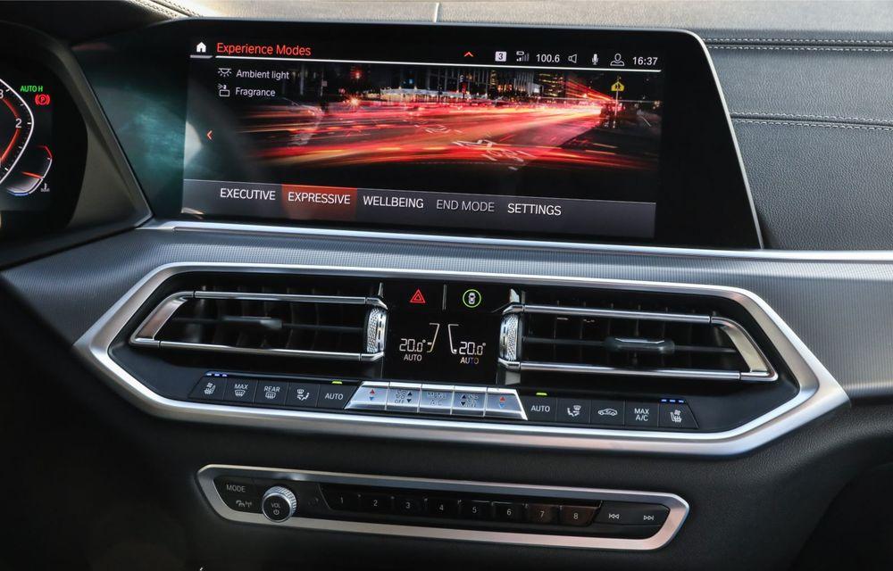 BMW a prezentat noul Seria 1 în România: interfață iDrive disponibilă în limba română și informații despre trafic în timp real. Preț de pornire de 27.600 de euro - Poza 47