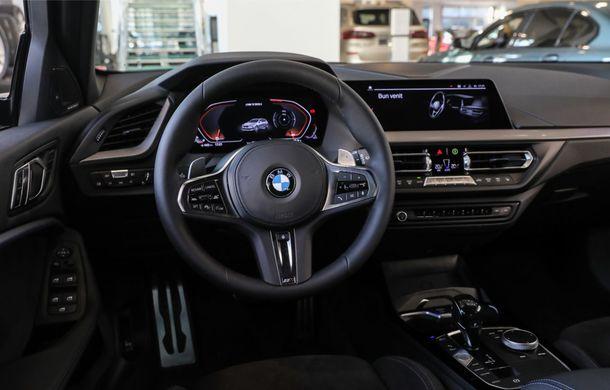 BMW a prezentat noul Seria 1 în România: interfață iDrive disponibilă în limba română și informații despre trafic în timp real. Preț de pornire de 27.600 de euro - Poza 22