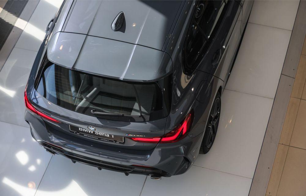 BMW a prezentat noul Seria 1 în România: interfață iDrive disponibilă în limba română și informații despre trafic în timp real. Preț de pornire de 27.600 de euro - Poza 9