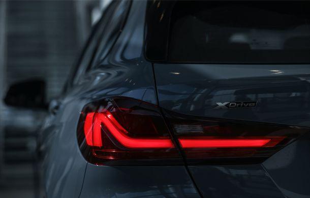 BMW a prezentat noul Seria 1 în România: interfață iDrive disponibilă în limba română și informații despre trafic în timp real. Preț de pornire de 27.600 de euro - Poza 13