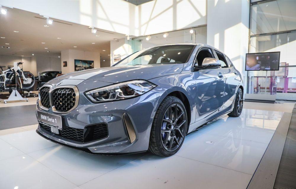 BMW a prezentat noul Seria 1 în România: interfață iDrive disponibilă în limba română și informații despre trafic în timp real. Preț de pornire de 27.600 de euro - Poza 4