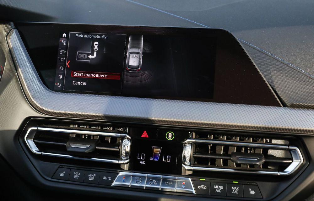 BMW a prezentat noul Seria 1 în România: interfață iDrive disponibilă în limba română și informații despre trafic în timp real. Preț de pornire de 27.600 de euro - Poza 49