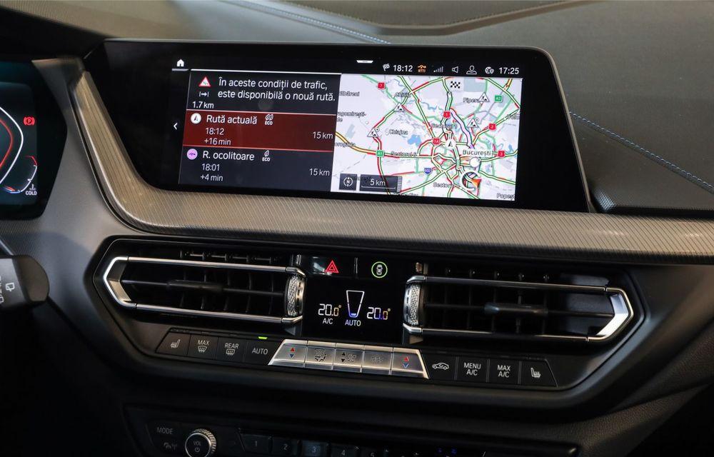 BMW a prezentat noul Seria 1 în România: interfață iDrive disponibilă în limba română și informații despre trafic în timp real. Preț de pornire de 27.600 de euro - Poza 26