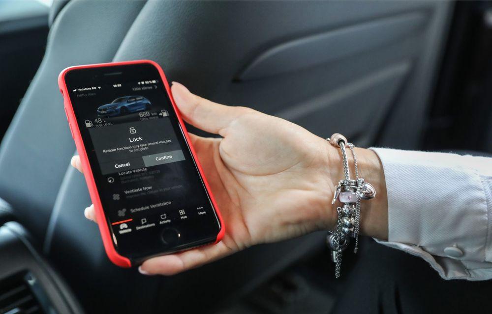 BMW a prezentat noul Seria 1 în România: interfață iDrive disponibilă în limba română și informații despre trafic în timp real. Preț de pornire de 27.600 de euro - Poza 45