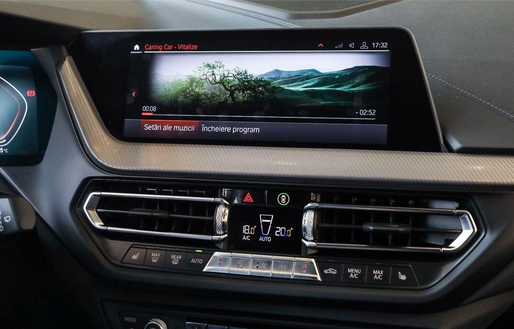 BMW a prezentat noul Seria 1 în România: interfață iDrive disponibilă în limba română și informații despre trafic în timp real. Preț de pornire de 27.600 de euro - Poza 40