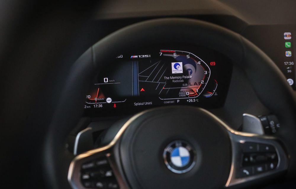 BMW a prezentat noul Seria 1 în România: interfață iDrive disponibilă în limba română și informații despre trafic în timp real. Preț de pornire de 27.600 de euro - Poza 43