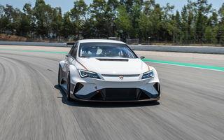 Cupra a demarat testele pe circuit cu modelul electric e-Racer: producătorul spaniol va concura în viitorul sezon ETCR