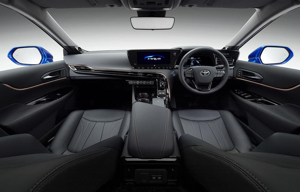 Primele imagini cu versiunea de pre-serie a noii generații Toyota Mirai: design modern, tracțiune spate și autonomie cu 30% mai mare - Poza 4