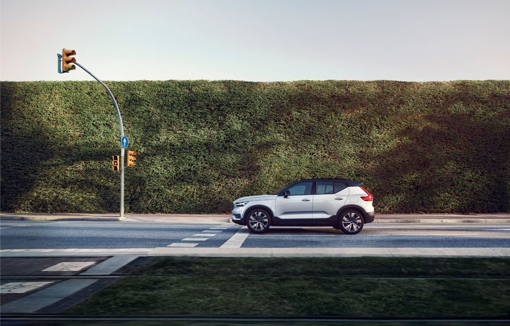 Volvo XC40 Recharge: primul model 100% electric Volvo anunță o autonomie de 400 de kilometri - Poza 26