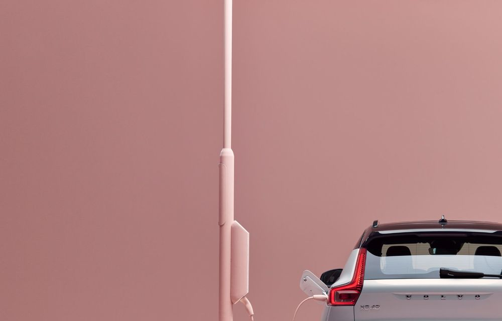 Volvo XC40 Recharge: primul model 100% electric Volvo anunță o autonomie de 400 de kilometri - Poza 23