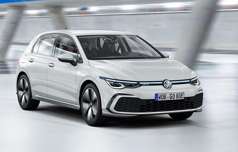 """Acesta este noul Volkswagen Golf: primele imagini cu modelul compact, """"scăpate"""" pe internet înainte de prezentarea oficială - Poza 5"""