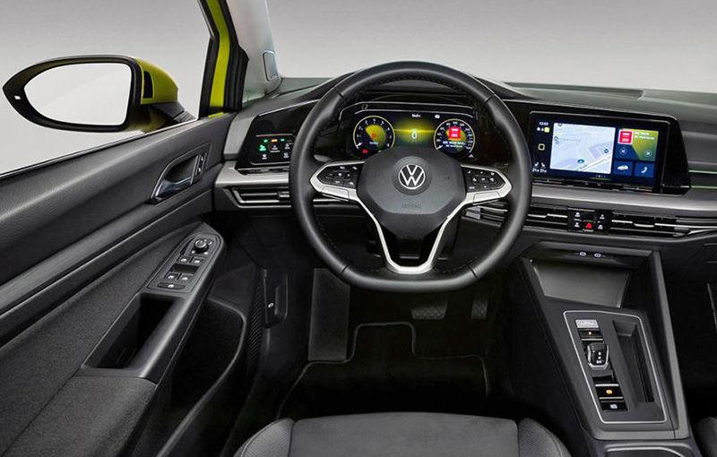 """Acesta este noul Volkswagen Golf: primele imagini cu modelul compact, """"scăpate"""" pe internet înainte de prezentarea oficială - Poza 10"""