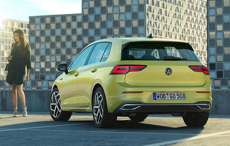 """Acesta este noul Volkswagen Golf: primele imagini cu modelul compact, """"scăpate"""" pe internet înainte de prezentarea oficială - Poza 3"""