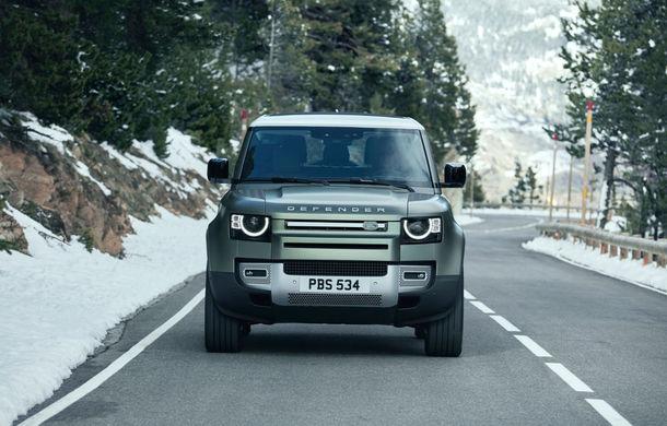 Land Rover Defender ar putea primi o versiune de performanță SVR: motor V8 de 4.4 litri împrumutat din gama BMW - Poza 1