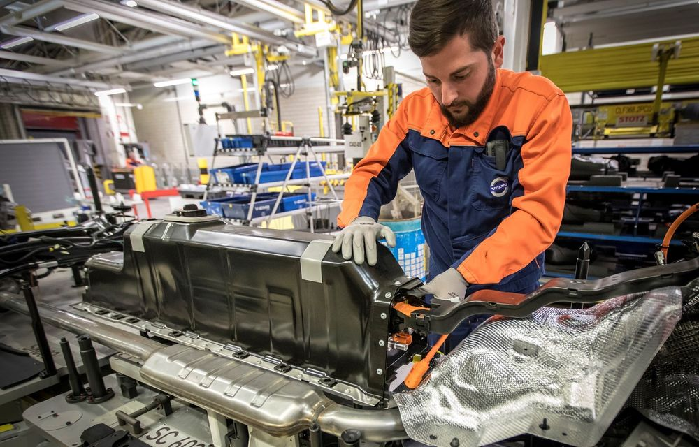"""Cercetătorii americani: """"Am inventat bateria pentru mașini electrice care se încarcă în doar 10 minute"""" - Poza 1"""
