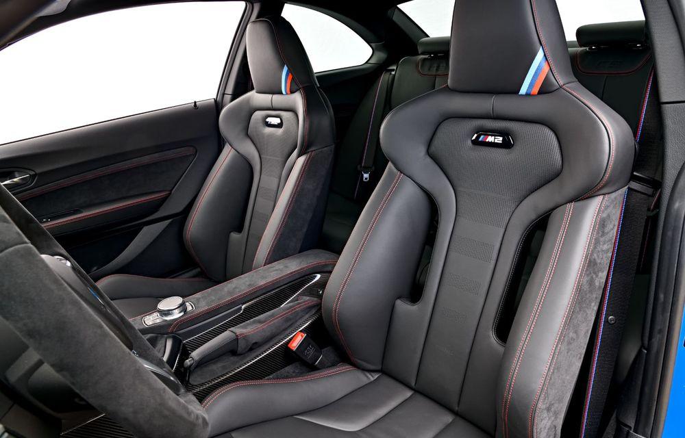 BMW a prezentat noul M2 CS: accesorii de caroserie din fibră de carbon, motor de 3.0 litri cu 450 CP și 4 secunde pentru 0-100 km/h - Poza 72