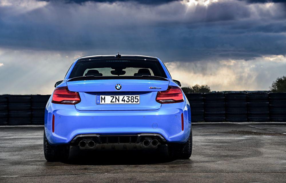 BMW a prezentat noul M2 CS: accesorii de caroserie din fibră de carbon, motor de 3.0 litri cu 450 CP și 4 secunde pentru 0-100 km/h - Poza 28