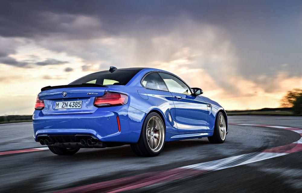 BMW a prezentat noul M2 CS: accesorii de caroserie din fibră de carbon, motor de 3.0 litri cu 450 CP și 4 secunde pentru 0-100 km/h - Poza 42