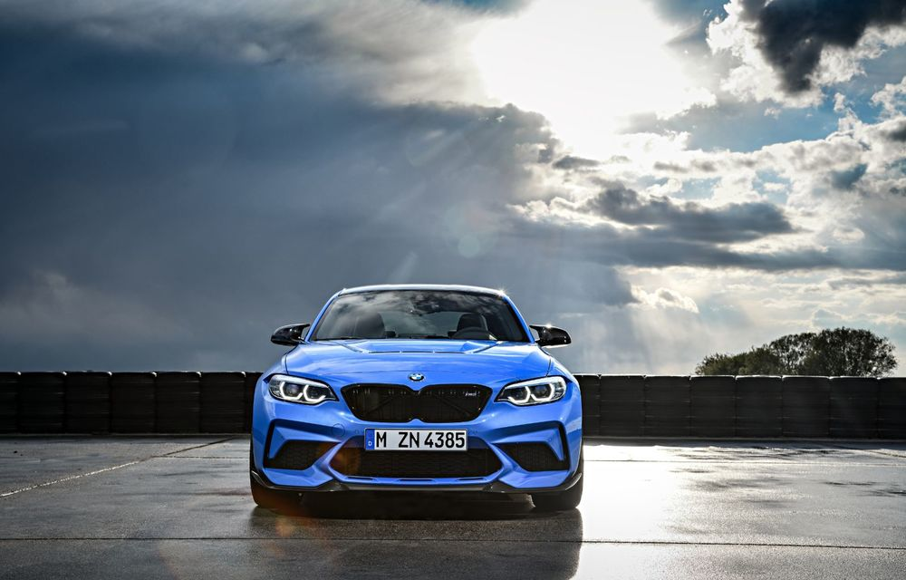 BMW a prezentat noul M2 CS: accesorii de caroserie din fibră de carbon, motor de 3.0 litri cu 450 CP și 4 secunde pentru 0-100 km/h - Poza 12