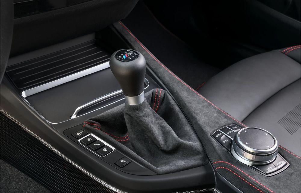 BMW a prezentat noul M2 CS: accesorii de caroserie din fibră de carbon, motor de 3.0 litri cu 450 CP și 4 secunde pentru 0-100 km/h - Poza 71