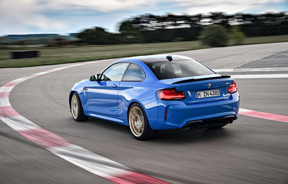 BMW a prezentat noul M2 CS: accesorii de caroserie din fibră de carbon, motor de 3.0 litri cu 450 CP și 4 secunde pentru 0-100 km/h - Poza 39