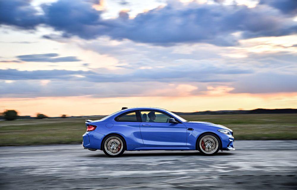 BMW a prezentat noul M2 CS: accesorii de caroserie din fibră de carbon, motor de 3.0 litri cu 450 CP și 4 secunde pentru 0-100 km/h - Poza 45