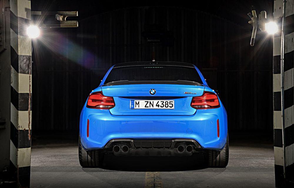 BMW a prezentat noul M2 CS: accesorii de caroserie din fibră de carbon, motor de 3.0 litri cu 450 CP și 4 secunde pentru 0-100 km/h - Poza 11