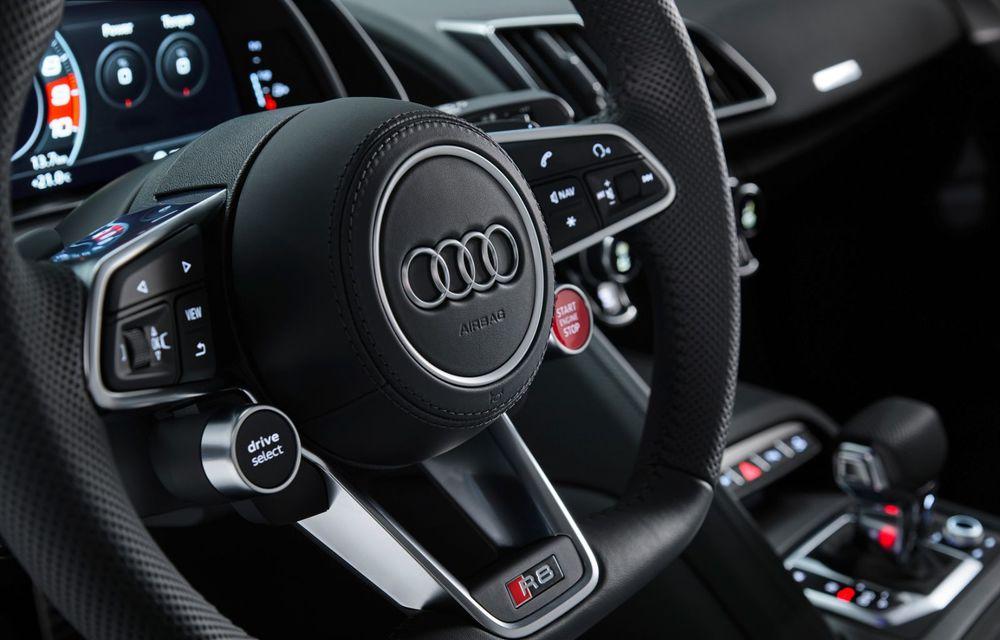 Audi a prezentat R8 V10 RWD: motor aspirat de 5.2 litri cu 540 CP și roți motrice spate - Poza 56