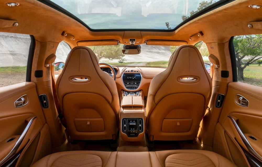 Prima imagine cu interiorul lui Aston Martin DBX: preț de 193.500 de euro în Germania, prezentarea în 20 noiembrie - Poza 1