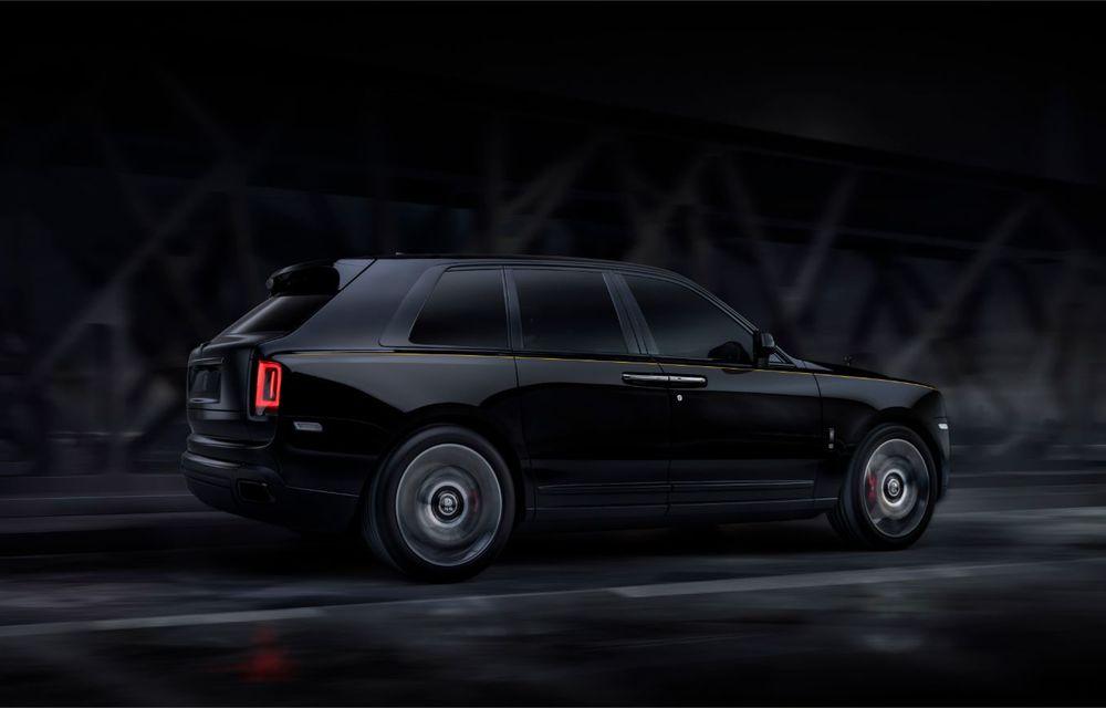 Rolls-Royce a lansat Cullinan Black Badge: modificări estetice și motor V12 cu 600 CP pentru cel mai scump SUV de serie - Poza 4