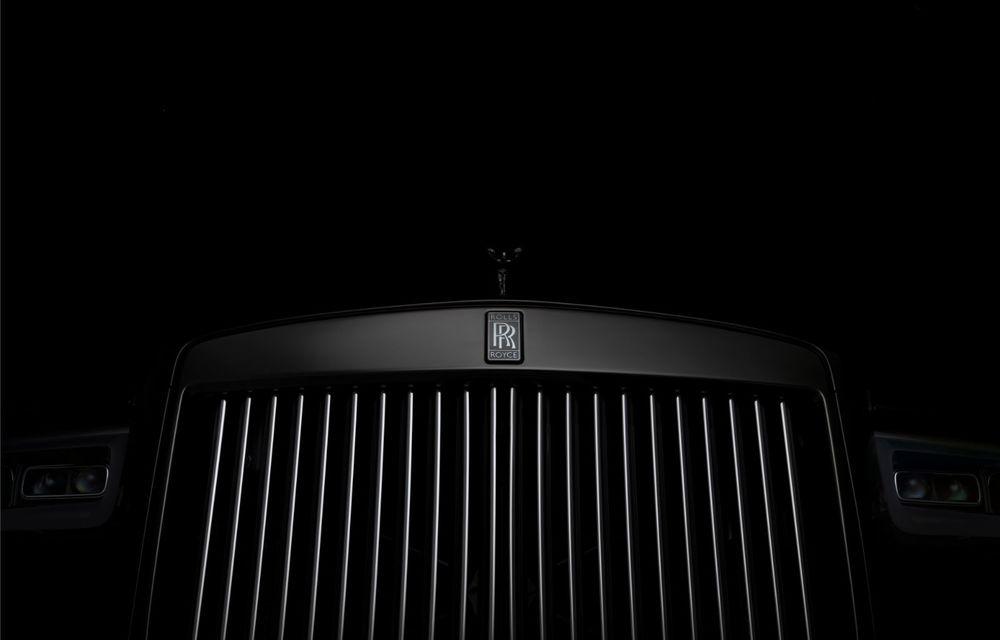 Rolls-Royce a lansat Cullinan Black Badge: modificări estetice și motor V12 cu 600 CP pentru cel mai scump SUV de serie - Poza 7