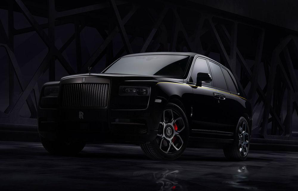 Rolls-Royce a lansat Cullinan Black Badge: modificări estetice și motor V12 cu 600 CP pentru cel mai scump SUV de serie - Poza 1
