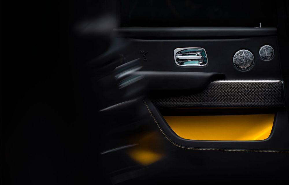 Rolls-Royce a lansat Cullinan Black Badge: modificări estetice și motor V12 cu 600 CP pentru cel mai scump SUV de serie - Poza 15
