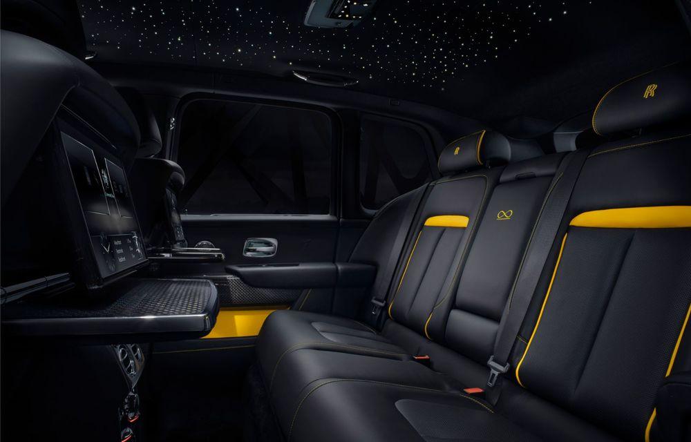 Rolls-Royce a lansat Cullinan Black Badge: modificări estetice și motor V12 cu 600 CP pentru cel mai scump SUV de serie - Poza 16