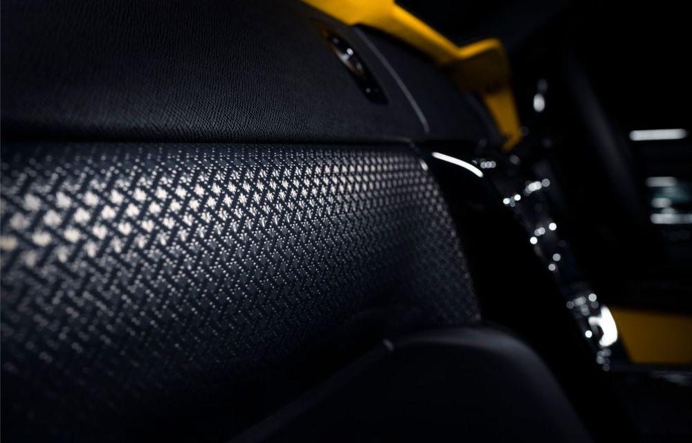 Rolls-Royce a lansat Cullinan Black Badge: modificări estetice și motor V12 cu 600 CP pentru cel mai scump SUV de serie - Poza 11