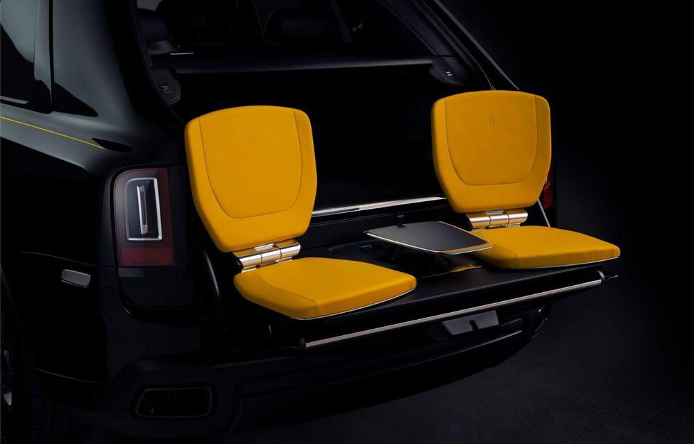 Rolls-Royce a lansat Cullinan Black Badge: modificări estetice și motor V12 cu 600 CP pentru cel mai scump SUV de serie - Poza 18