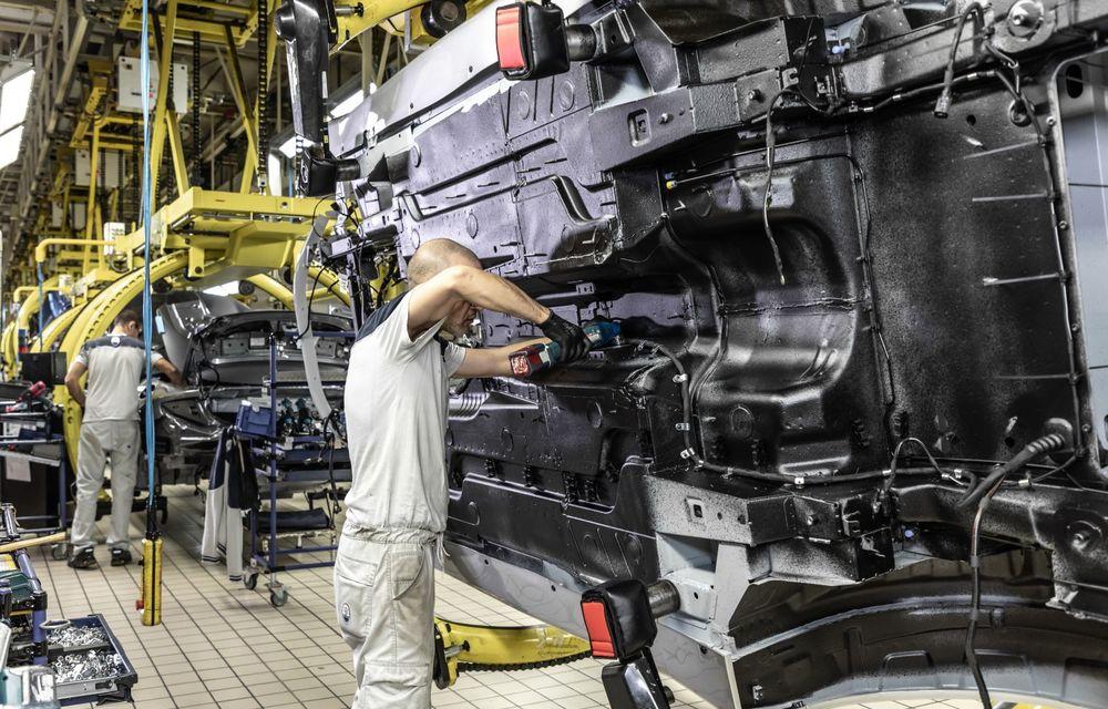 Maserati a încheiat producția actualului GranTurismo: ultimul exemplar se numește Zeda și are o caroserie vopsită în trei nuanțe - Poza 8