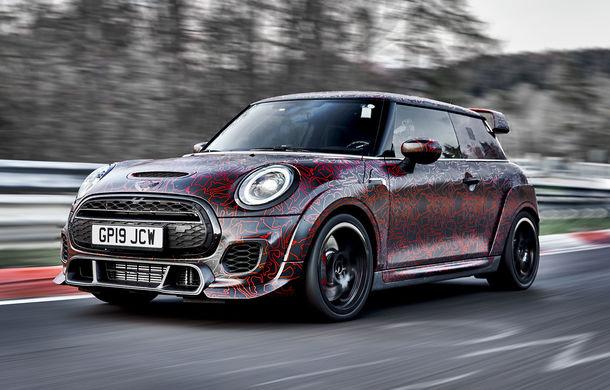 Noul Mini John Cooper Works GP va fi expus în 20 noiembrie: Hot Hatch-ul britanic cu peste 300 CP va fi produs în doar 3.000 de unități - Poza 1