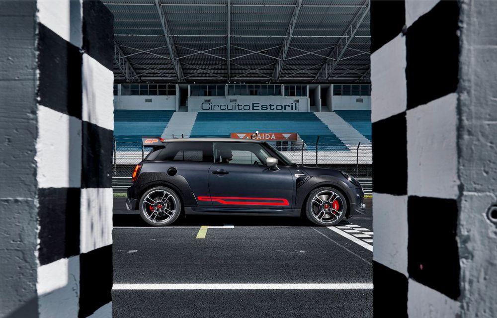 Mini a prezentat noul John Cooper Works GP: cel mai rapid model de serie al britanicilor are 306 CP și accelerează de la 0 la 100 km/h în 5.2 secunde - Poza 13