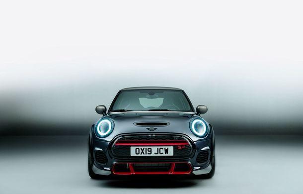 Mini a prezentat noul John Cooper Works GP: cel mai rapid model de serie al britanicilor are 306 CP și accelerează de la 0 la 100 km/h în 5.2 secunde - Poza 6