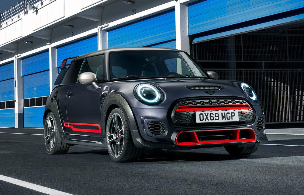 Mini a prezentat noul John Cooper Works GP: cel mai rapid model de serie al britanicilor are 306 CP și accelerează de la 0 la 100 km/h în 5.2 secunde - Poza 1