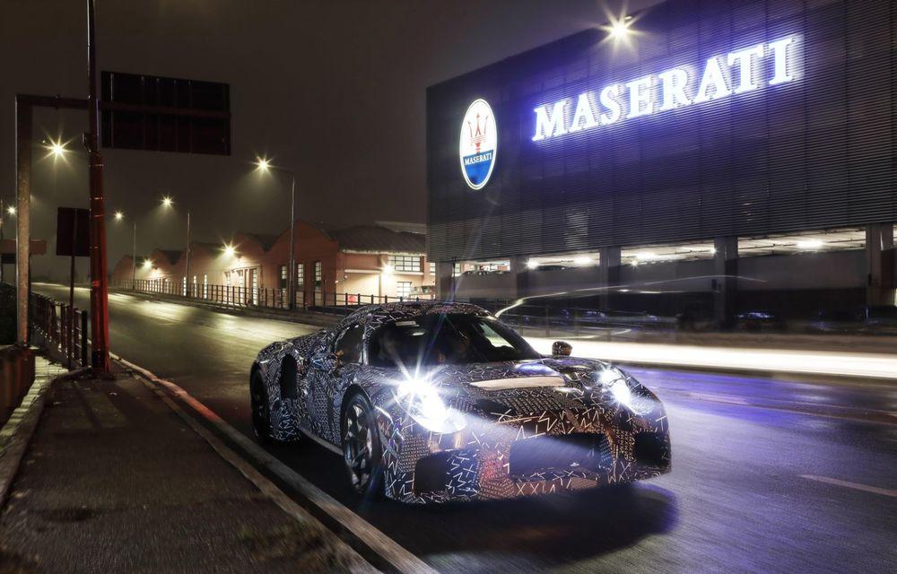 """Maserati dezvăluie imagini """"sub camuflaj"""" cu viitorul său model: lansarea este programată în mai 2020 - Poza 3"""