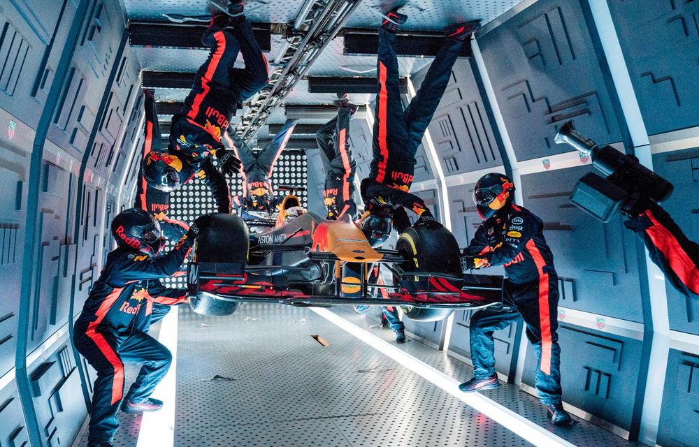 """Video: Experiment inedit: Red Bull a făcut o """"oprire la boxe"""" la într-un mediu cu accelerație gravitațională zero la o altitudine de 10.000 de metri - Poza 1"""