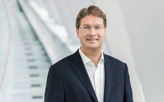 """Șeful Daimler: """"Mașinile electrice au nevoie de stimulente în această etapă de tranziție"""""""