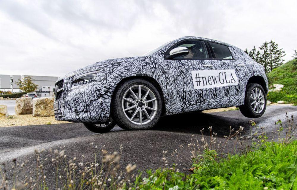 Teaser pentru noua generație Mercedes-Benz GLA: prezentare în 11 decembrie - Poza 2