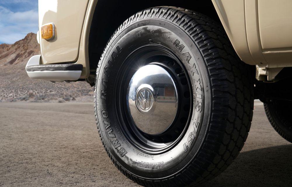 Un Volkswagen Type 2 din 1972 a fost transformat în vehicul electric: motor de 136 de cai putere și autonomie de 200 de kilometri - Poza 11