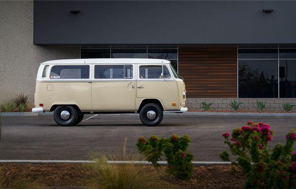 Un Volkswagen Type 2 din 1972 a fost transformat în vehicul electric: motor de 136 de cai putere și autonomie de 200 de kilometri - Poza 4