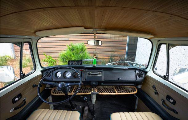 Un Volkswagen Type 2 din 1972 a fost transformat în vehicul electric: motor de 136 de cai putere și autonomie de 200 de kilometri - Poza 14