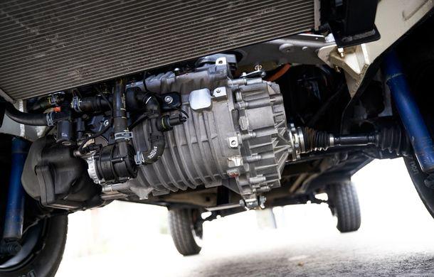Un Volkswagen Type 2 din 1972 a fost transformat în vehicul electric: motor de 136 de cai putere și autonomie de 200 de kilometri - Poza 21