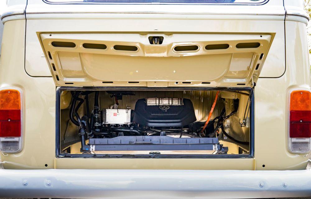 Un Volkswagen Type 2 din 1972 a fost transformat în vehicul electric: motor de 136 de cai putere și autonomie de 200 de kilometri - Poza 18